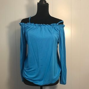 Blouse with a choice to be strapless